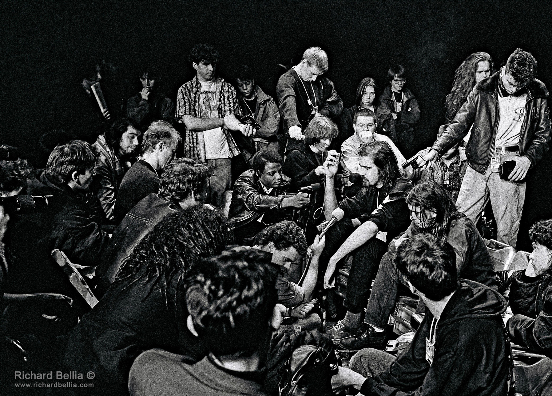 Nirvana-Press Cnference-1991-©-Richard-Bellia 2